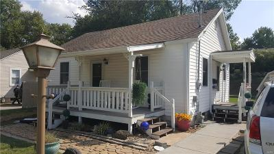 Alton IL Single Family Home For Sale: $69,900