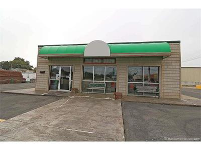 Scott County, Cape Girardeau County, Bollinger County, Perry County Commercial For Sale: 515 West Main Street