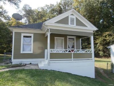 Hannibal MO Single Family Home For Sale: $60,000