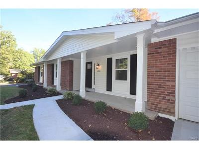 Ballwin Single Family Home Contingent No Kickout: 654 Tanglewilde