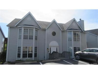Ballwin Condo/Townhouse For Sale: 1716 Whispering Creek Drive #B