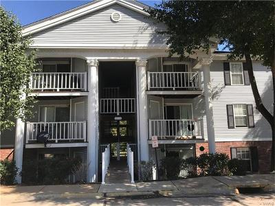 Chesterfield Condo/Townhouse For Sale: 1218 Creve Coeur Crossing #J