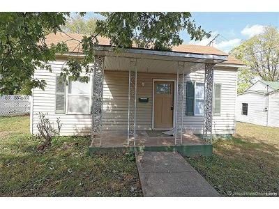 Park Hills, Desloge Single Family Home For Sale: 606 Simmons Avenue