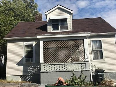 Belleville Single Family Home For Sale: 212 North 6th Street