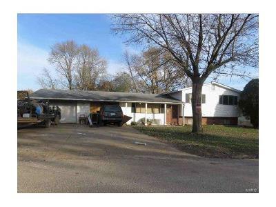 O'Fallon Single Family Home For Sale: 16 North Meadow