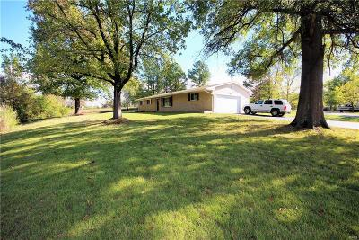 Wentzville Single Family Home For Sale: 2263 Holly Drive
