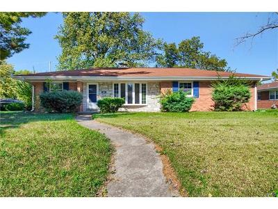 Belleville Single Family Home For Sale: 39 Winchester Drive