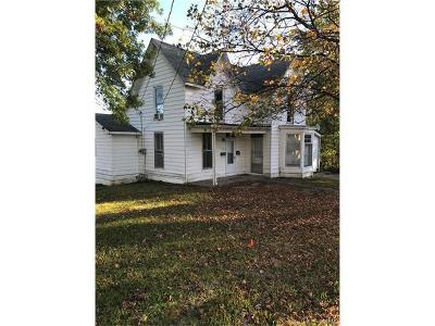 Bowling Green Single Family Home For Sale: 105 East Church