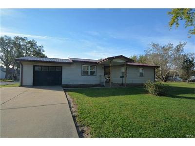 Monroe City MO Single Family Home For Sale: $79,900