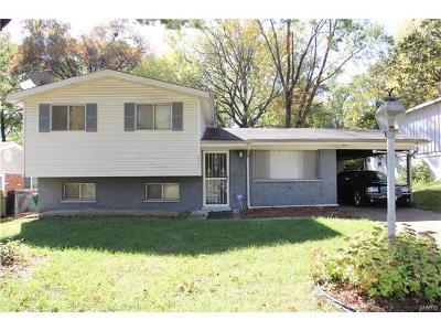 Single Family Home For Sale: 8410 Oak