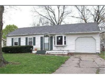 Godfrey IL Single Family Home For Sale: $51,600