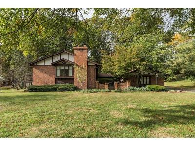 Creve Coeur Single Family Home For Sale: 429 Staines Court