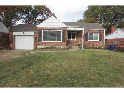 Webster Groves Single Family Home For Sale: 209 Sunningwell