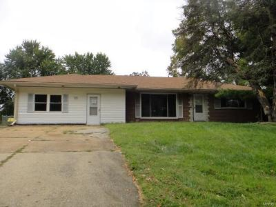Fairview Heights Single Family Home For Sale: 13 Lakeshire Drive