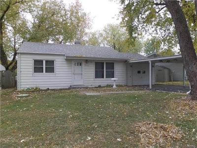 Fairview Heights Single Family Home For Sale: 9702 Mark Trail