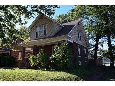 Granite City Single Family Home For Sale: 2441 Iowa Street