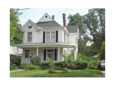 Alton IL Single Family Home For Sale: $73,320