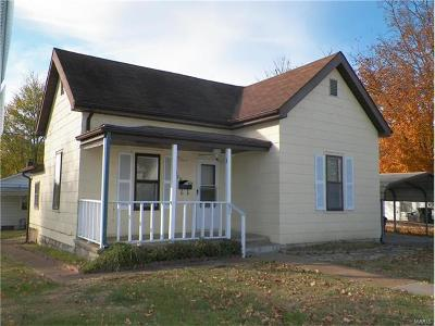 Scott County, Cape Girardeau County, Bollinger County, Perry County Single Family Home For Sale: 320 Shelby