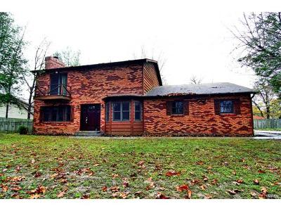 Scott County, Cape Girardeau County, Bollinger County, Perry County Single Family Home For Sale: 3801 Carolewood