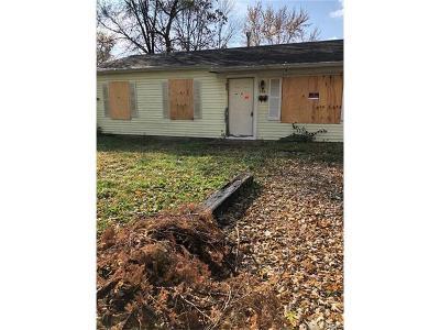 Cahokia Single Family Home For Sale: 735 Saint Norbert Drive