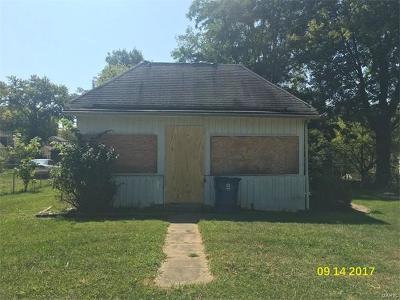 Alton IL Single Family Home For Sale: $5,600