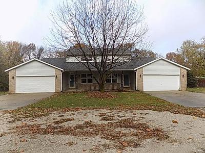 Troy IL Multi Family Home For Sale: $159,900