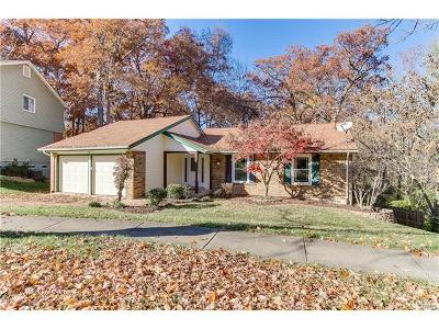 Manchester Single Family Home For Sale: 881 Almond Hill Court