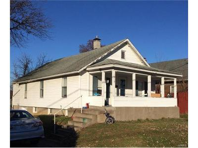 Hannibal Single Family Home For Sale: 1810 Pleasant Street
