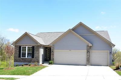 Fenton Single Family Home For Sale: 153 Hartford Court