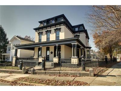 Hannibal MO Single Family Home For Sale: $274,900