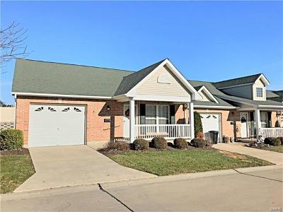Wentzville Condo/Townhouse For Sale: 124 Green Gables Drive