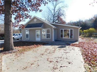Monroe City MO Single Family Home Contingent No Kickout: $84,900