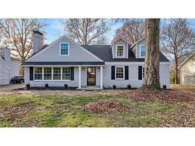 St Louis County Single Family Home For Sale: 23 Chaminade