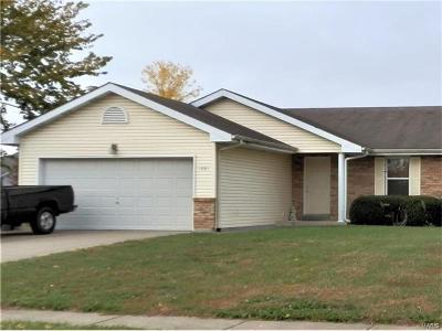 O'Fallon Single Family Home For Sale: 1081 Saint Matthew Avenue