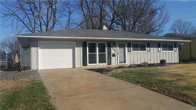O'Fallon IL Single Family Home For Sale: $115,000