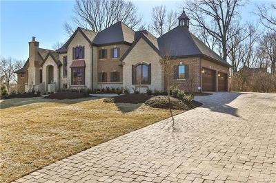 Creve Coeur Single Family Home For Sale: 11284 Elsie Manor Court