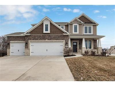 Single Family Home For Sale: 200 Oakhurst