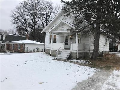 Single Family Home For Sale: 802 North Costello Street
