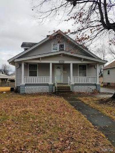 Edwardsville Single Family Home For Sale: 824 Ruskin Avenue