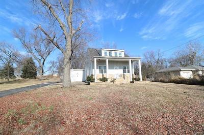 Hazelwood Single Family Home For Sale: 8819 Nyflot
