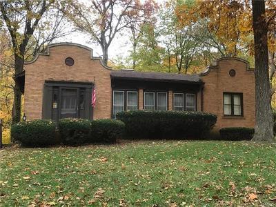 Belleville Single Family Home For Sale: 30 Lindorf Drive