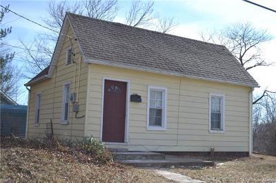 Alton Single Family Home For Sale: 337 Jefferson Avenue