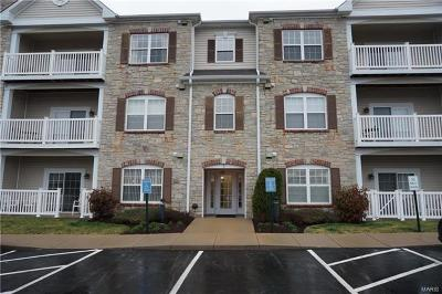 Chesterfield Condo/Townhouse For Sale: 1 Monarch Trace #204