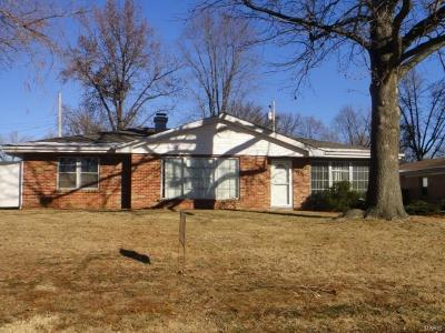Belleville Single Family Home For Sale: 7113 Gary Drive