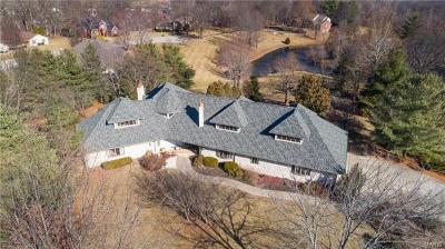 O'Fallon Single Family Home For Sale: 2 Hunters Pointe