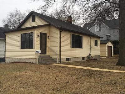 Belleville Single Family Home For Sale: 650 West Monroe Street