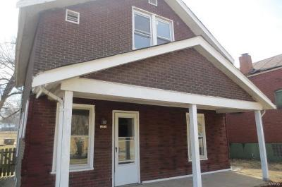 St Louis City County Single Family Home For Sale: 5275 Beacon Avenue