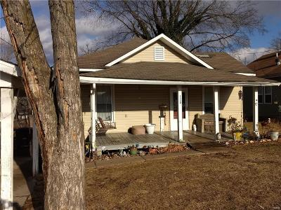Troy Single Family Home For Sale: 150 5th Street