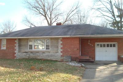 Godfrey IL Single Family Home For Sale: $139,900