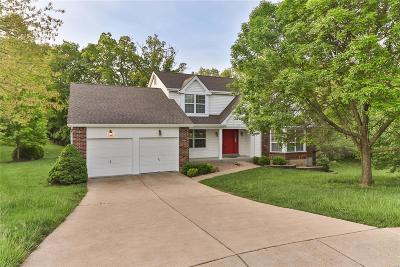 Ballwin Single Family Home For Sale: 1664 Waldens Meadow Court